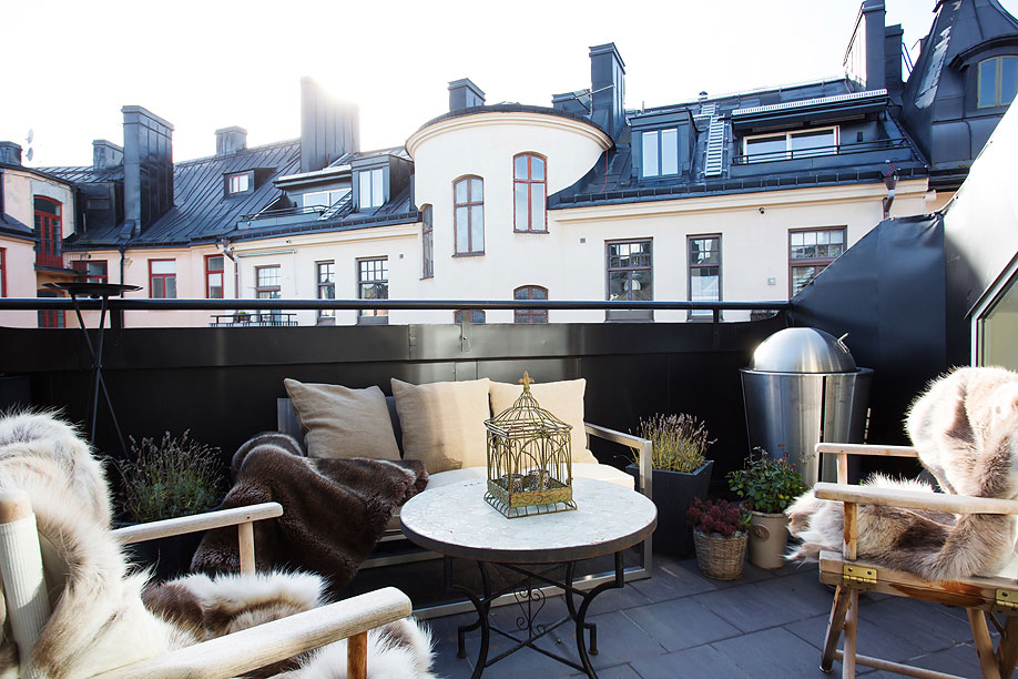 Balcony-Loft-Apartment-in-Kungsholmen-Stockholm