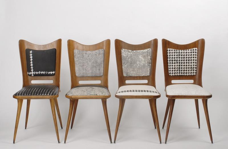 Giyinmek isteyen sandalyeler